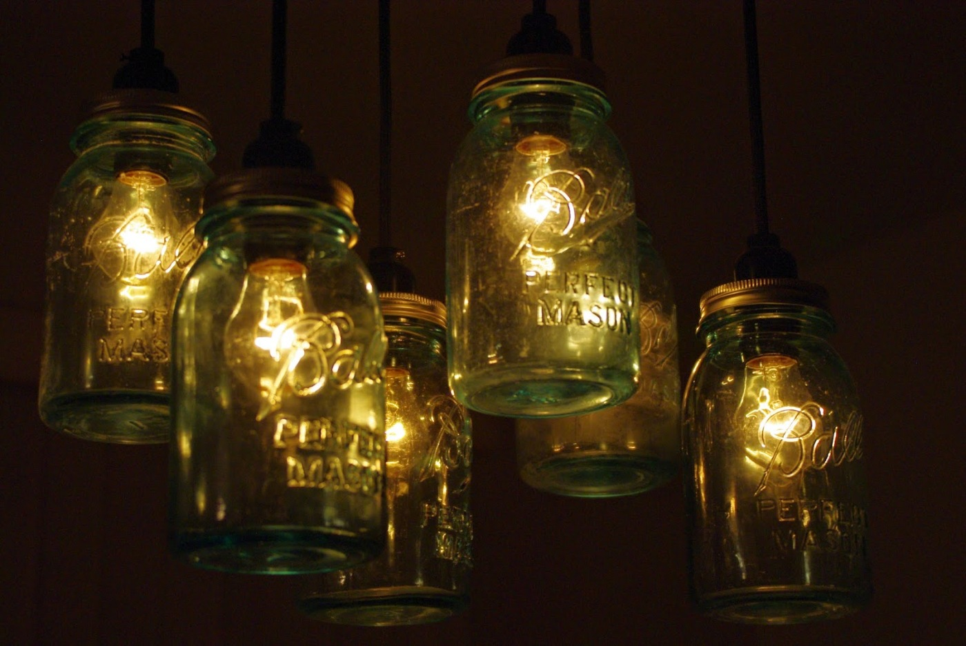 Diy mason jar chandelier reclaimed diy mason jar chandelier arubaitofo Image collections